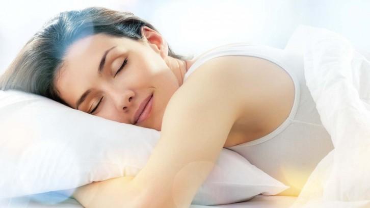15 Tipps den Schlaf zu verbessern